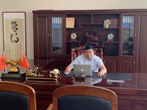 上海添瑞门窗-总经理:燕伟_副本.jpg